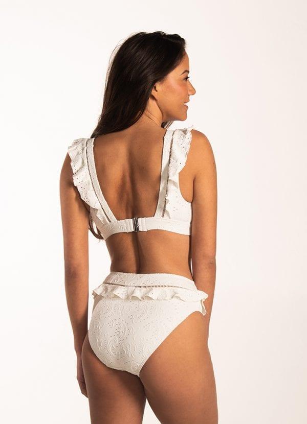 Beachlife Blanc de Blanc high waist bikinibroekje Hoog opgesneden fit & Blanc de Blanc ruches bikinitop Uitneembare padding