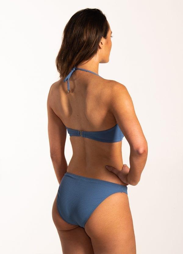 Beachlife Knitted Blue bandeau bikinitop Voorgevormde cups & beugel & Knitted Blue V-detail bikinibroekje Lage fit